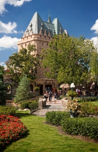 Hotel du Canada in day