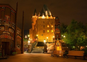 Hotel du Canada at night